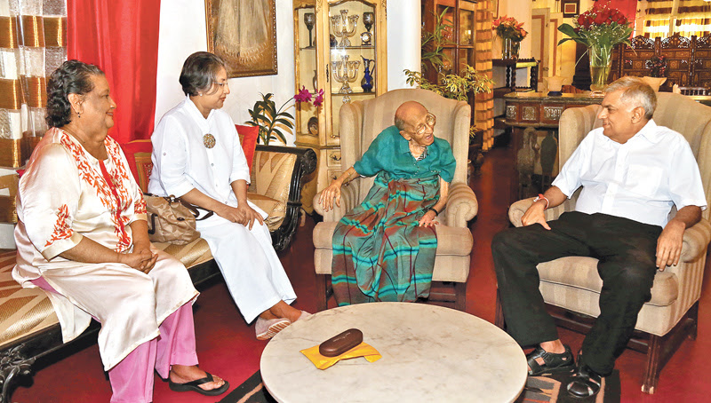PM visits Dr. Lester James Peries for his birthday