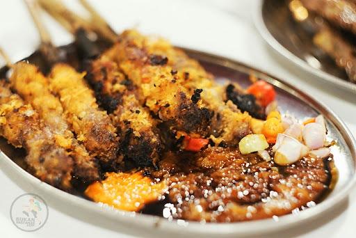 Satu Kota Terbesar Di Indonesia Tapi Juga Menjadi Surganya Pecinta Kuliner Beragam Masakan Dengan Rasa Yang Variatif Bisa Dengan Mudah Kamu Temukan Di