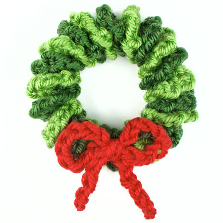 mini wreath ornament crochet pattern by planetjune