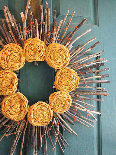 Favourite Wreath: Twigs and Rosettes