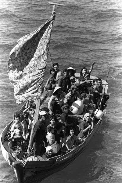 Vietnamese boat people are pictured in an undated photo. A California Salesian priest who as a child was among refugees fleeing Vietnam by boat after the fall of Saigon recently wrote an open letter President Donald Trump offering to swap his own citizenship with a refugee from one of the Muslim-majority countries subject to Trump's travel ban. (CNS photo/Wikipedia)