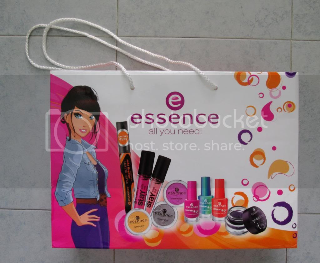 photo EssenceCosmeticsMakeup01.jpg