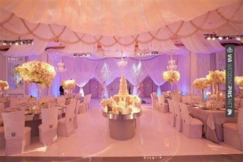 New Wedding Themes 2016 Classic, romantic wedding