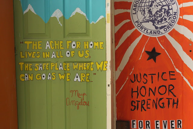 Right 2 Dream Too - Portland, Oregon