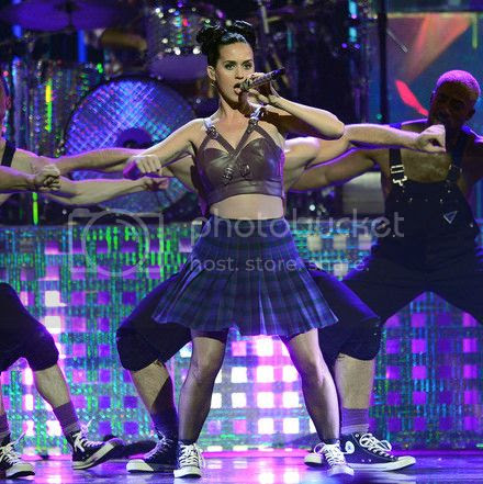 Katy Perry's poor attempt at hood during 'Dark Horse' performance at iHeartRadio festival...