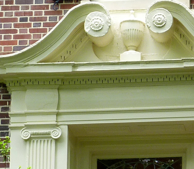 P1080879-2012-05-29-Pringle-and-Smith-home-834-Lullwater-1928-Front-Door-Broken-Pediment-Swans-Neck-detail-3