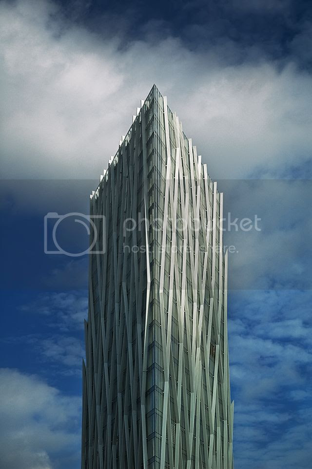 Diagonal 00, The New Telefonica Head Office, Barcelona, Spain [enlarge]