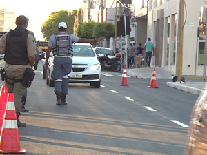 Blitz foi realizada na Avenida Guararapes, em Petrolina. (Foto: Reprodução/ TV Grande Rio)
