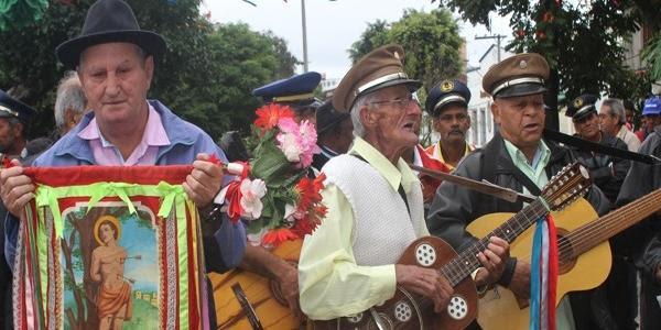 Conheça a história da Folia de Reis e sua tradição no Brasil