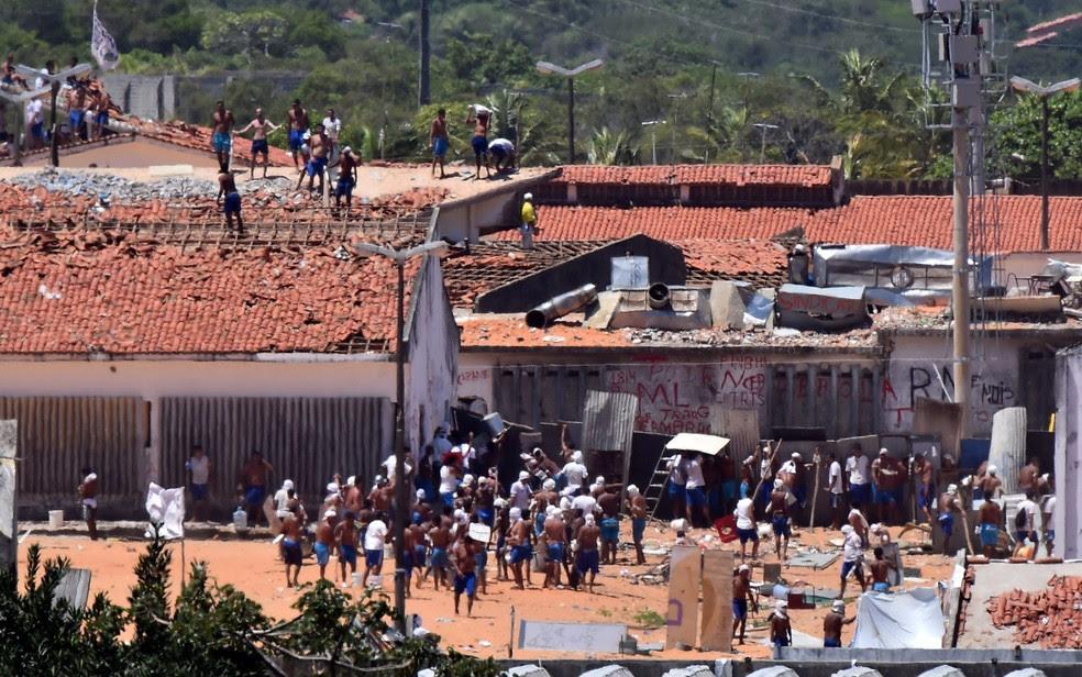 Massacre de presos foi comandado por membros de uma facção criminosa (Foto: Josemar Gonçalves/Reuters)