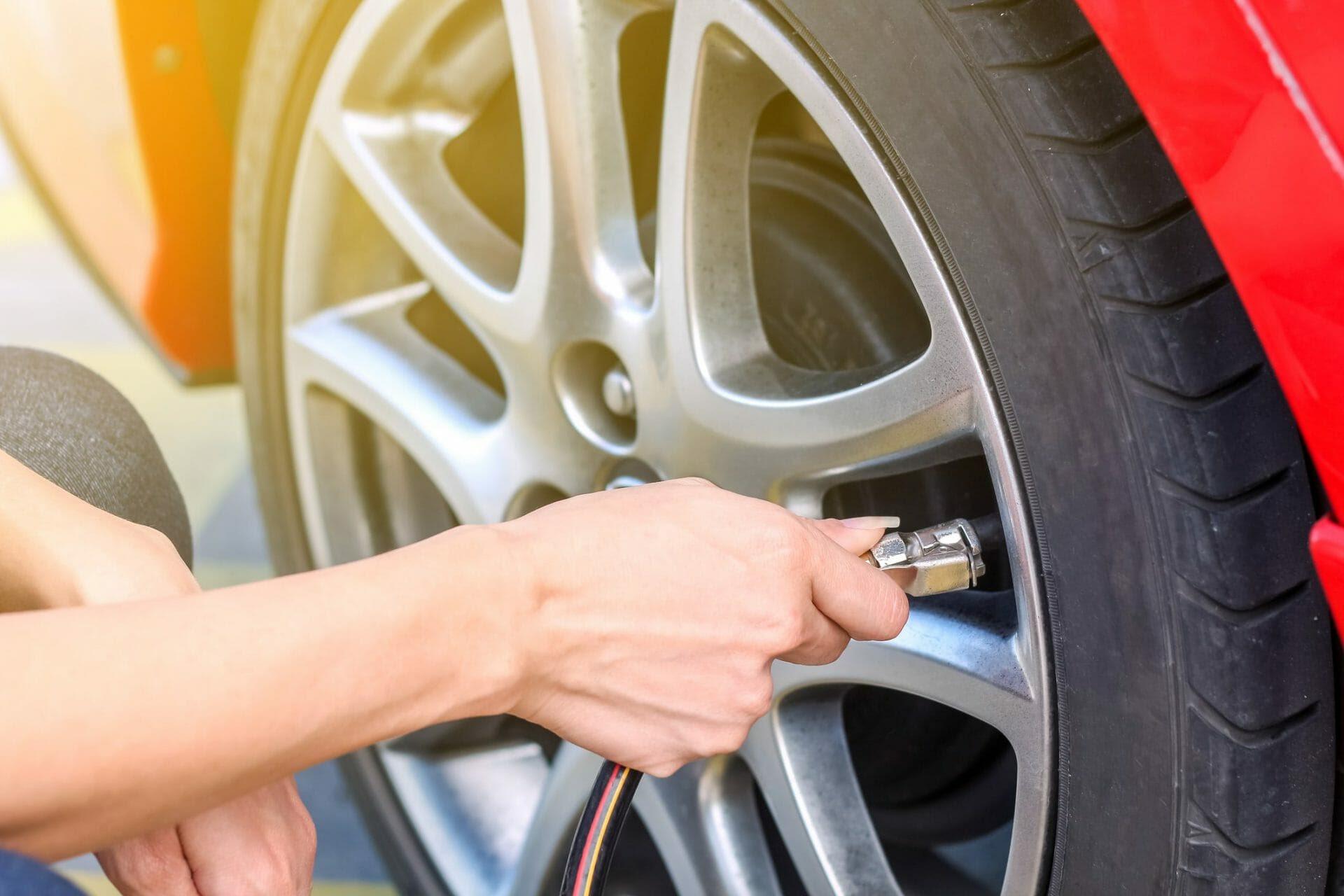 Cách kiểm tra áp suất lốp xe ô tô như thế nào là đúng tiêu chuẩn?
