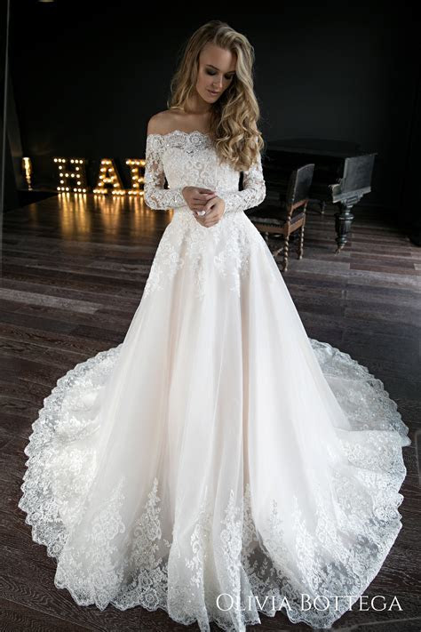 A line wedding dress Olivia by Olivia Bottega. Wedding