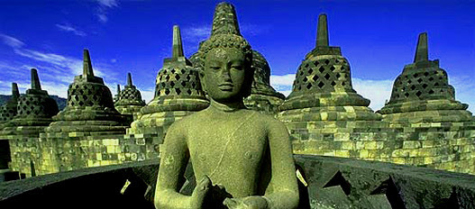 a temple site is a mystery to this day how at that time, no technology can be built, this is the Borobudur temple which became one of the seven wonders of the world ......