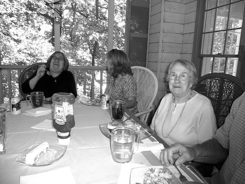 P1010936-2010-05-09-Mothers-Day-Zella-Told-a-Story-JK-Chokes