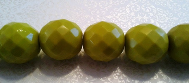 Oval Green Faceted Czech Beads - shellissweets
