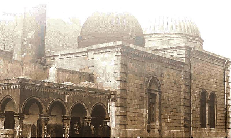 File:Bibi Eybat Mosque.jpg