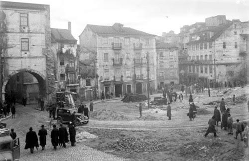 Arco do Marquês de Alegrete, Mouraria (E.Portugal, 1947)