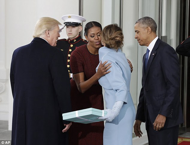 She went on to say about the Obamas: 'They were aware that she was nervous and so they give her a warm smile and help her.'
