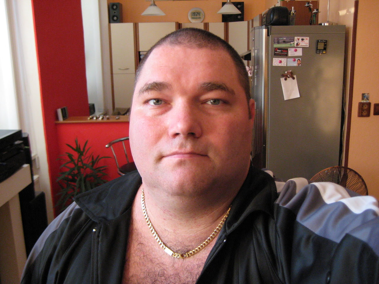 A Free Daily Gallery of Fat Bellied Men: Super Chub Of The