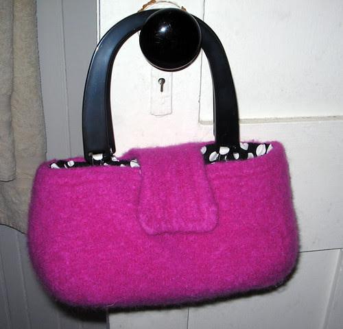 Pinky purse
