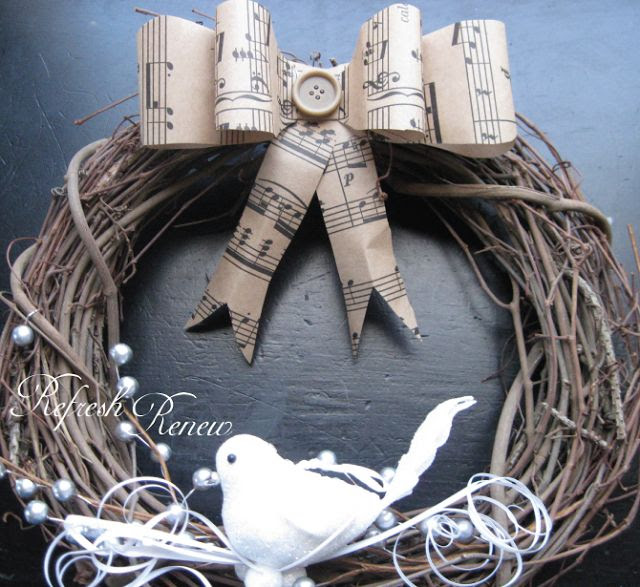 Refresh - Renew: Two Easy Vintage Wreaths with paper decor printables