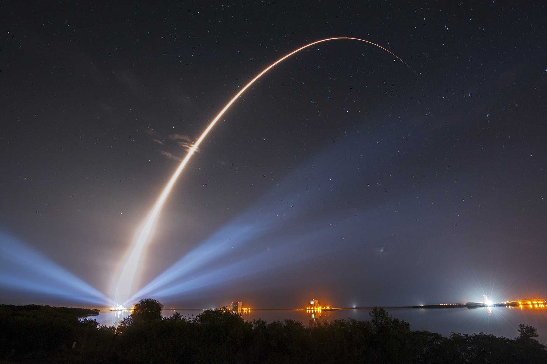 http://spacenews.com/wp-content/uploads/2015/01/av_muos3_l11.jpg