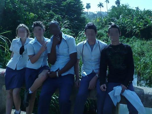 Leydis, Yuderkis, Denis, Brian y Omar, estudiantes de pre (foto del autor)