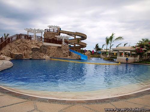 Aquaria beach resort in playa calatagan batangas azrael 39 s merryland blog lifestyle travel for Beach with swimming pool in batangas