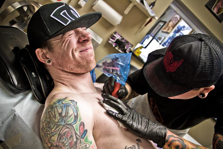 Minimizing The Pain Of Tattoos Tattoobabu Best Tattoo Artist In