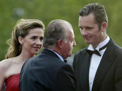 El rey Juan Carlos, la infanta Cristina e Iñaki Urdangarin, el 22 de mayo de 2006 en Barcelona. EFE