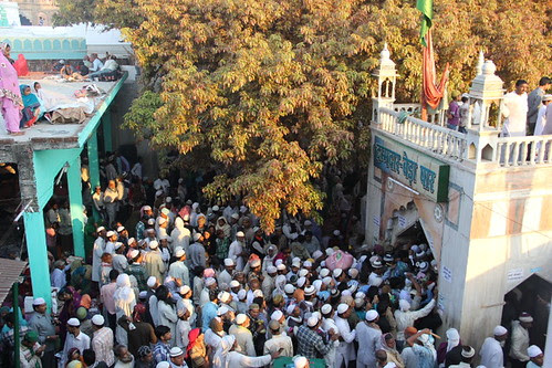 596 Urus Makanpur Hazrat Zinda Shah Madar by firoze shakir photographerno1