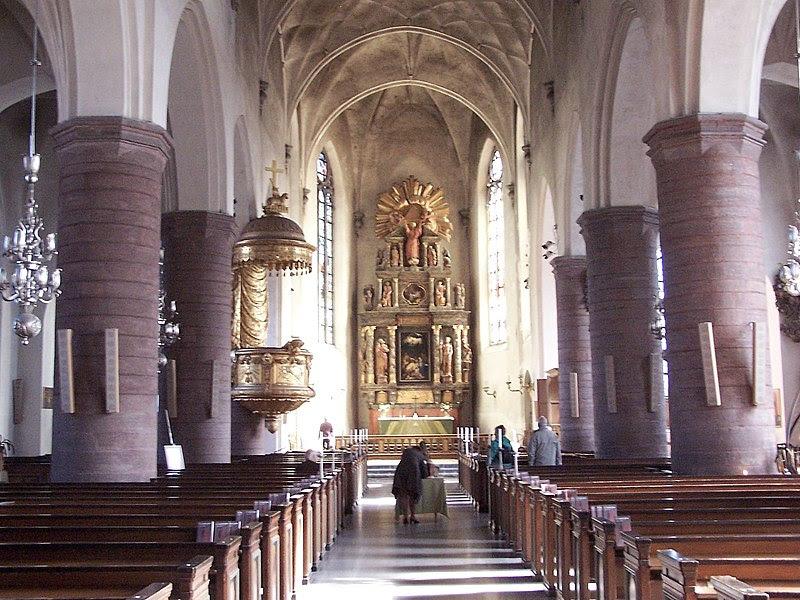 Jakobs kyrka interior.jpg