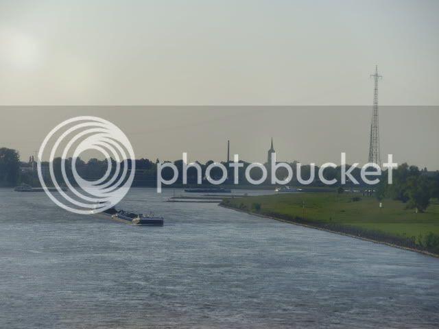 Rheinufer ohne Fernsehturm Düsseldorf