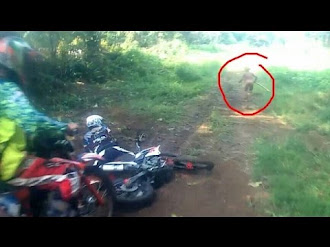 Humanoid Cryptid Sighting In Sumatra Indonesia / Humanoide Captado por Motociclistas en Indonesia