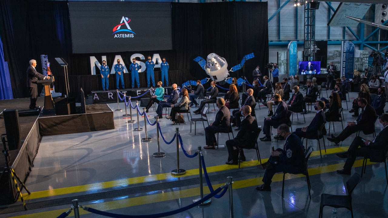 Vice President Mike Pence introduces NASA astronauts, from left, Jessica Meir, Joseph Acaba, Anne McClain, Matthew Dominick, and Jessica Watkins during a meeting of the National Space Council inside the Apollo/Saturn V Center at the Kennedy Space Center Visitor Complex in Florida on 9 December 2020. Image Credit: NASA/Kim Shiflett