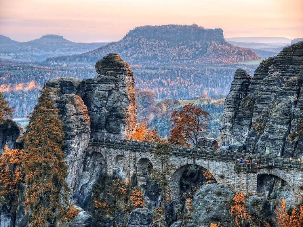 30 pontes místicas que podem nos levar a um outro mundo 23