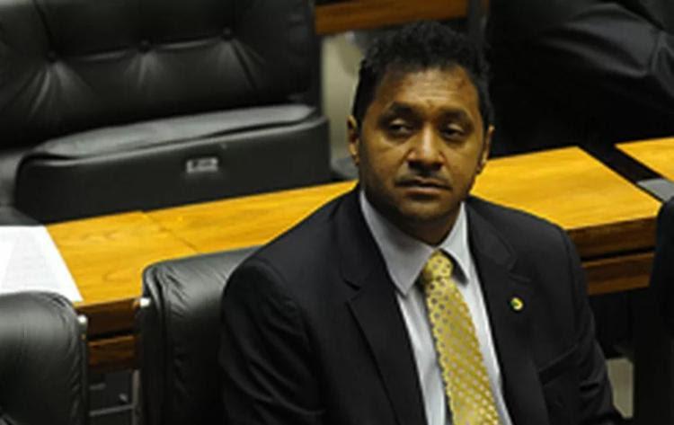 Resultado de imagem para Desiludido, Tiririca critica Congresso e diz que deve largar a política