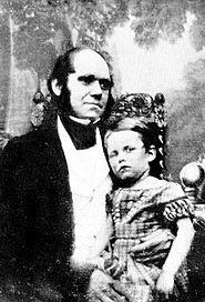 Darwin ilk oğlu William Erasmus Darwin ile birlikte (1842)