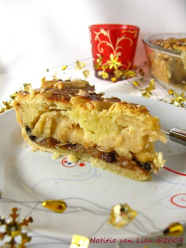 Apple-Christmas pie - wedge