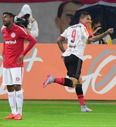 Guerrero comemora gol Inter x Flamengo (Foto: VINíCIUS COSTA/FUTURA PRESS/ESTADÃO CONTEÚDO)