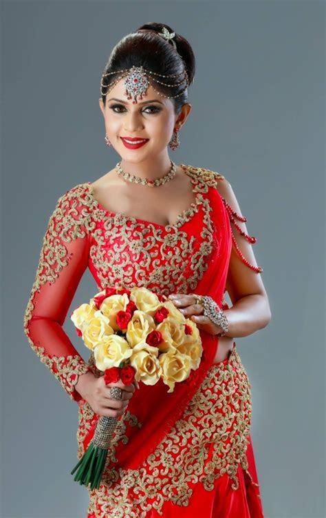 Sri Lankan bride   Saree B?S in 2019   Bridesmaid saree