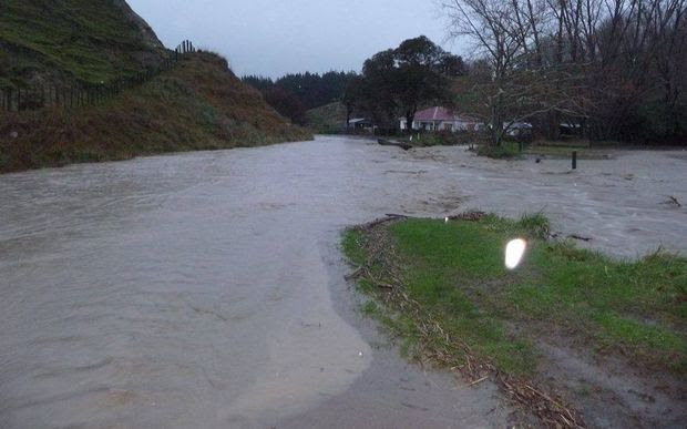 Flooding on Makirikiri Valley Road.