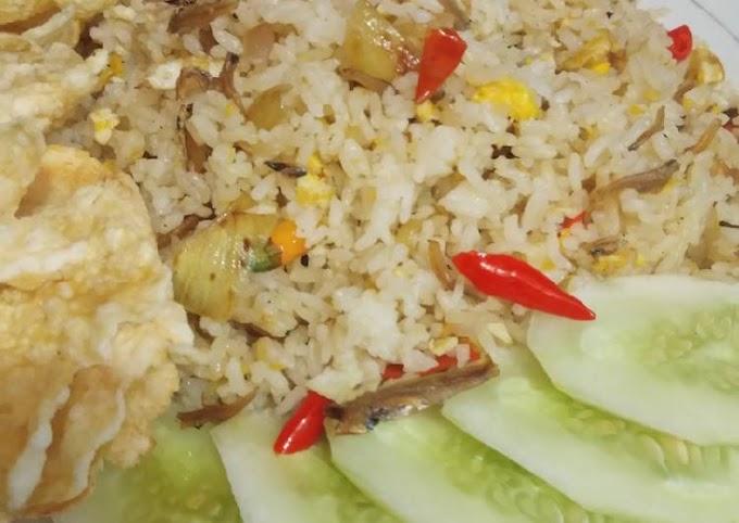 Cara Mudah Mempersiapkan Nasi Goreng Teri Cita Rasa Tinggi