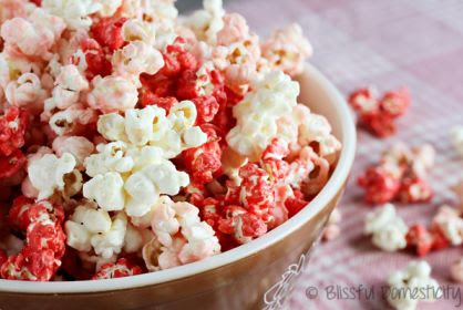 Super Easy Candy-Coated Popcorn - an easy Valentine's treat!