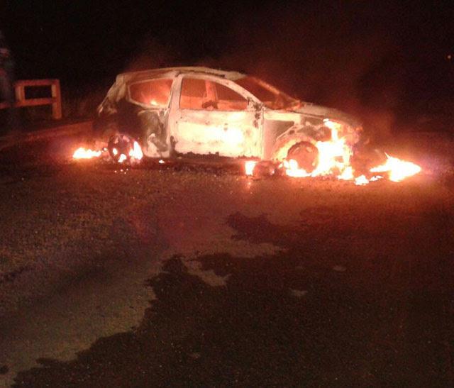 Veículo foi incendiado na divisa de SE/BA