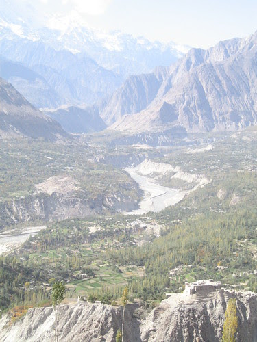 Baltit Fort (bottom right)
