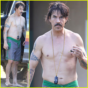 Red Hot Chili Peppers Anthony Kiedis Goes Shirtless In Hawaii