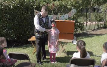 Magician Mr. Mike Houston, Texas - Close-up Magic, Comedy Magic, Stage Magic, General Magic