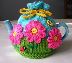 Flower_garden_tea_cosy_small
