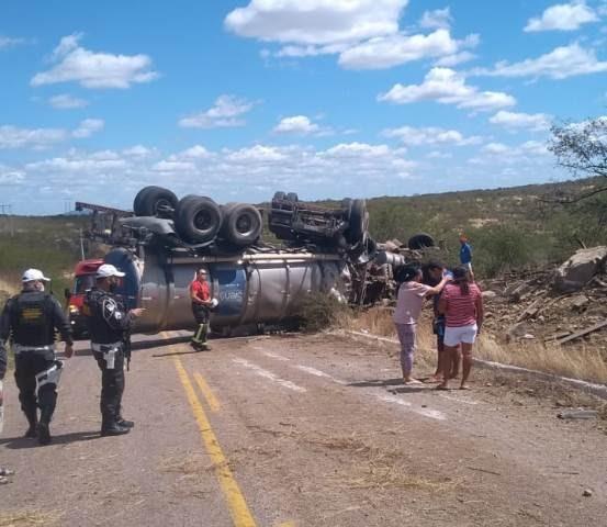 Acidente envolvendo carreta de carro é registrado na RN-288 entre Caicó e São José do Seridó
